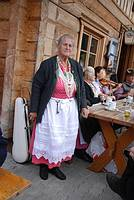 B�uerin in Tracht